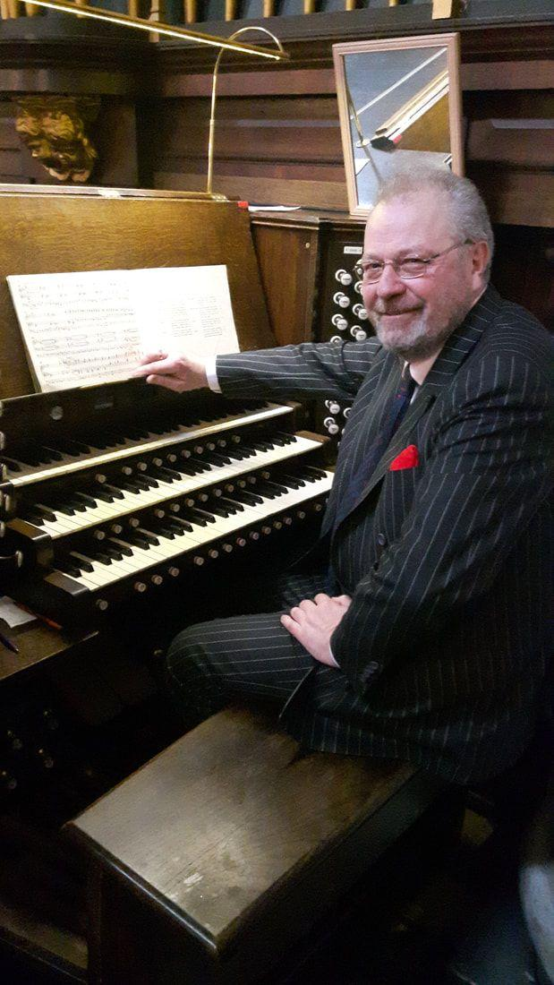 Sideline reccomend Amateur organist usurped