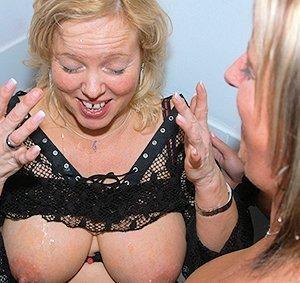 Avril lavigne photos fully naked