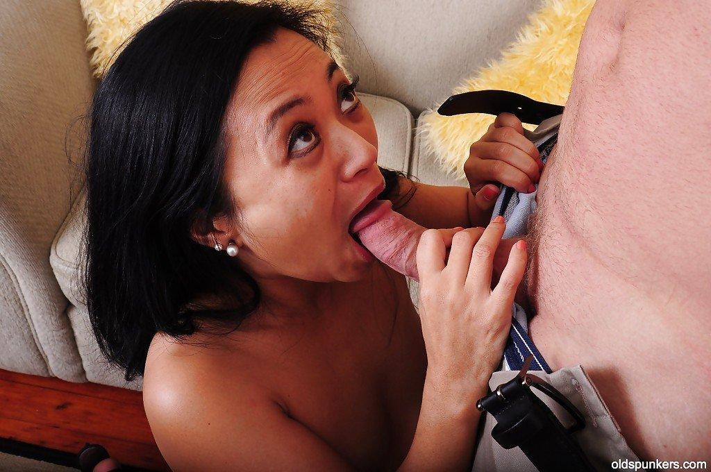 Sweet hot mature fanny cum movie