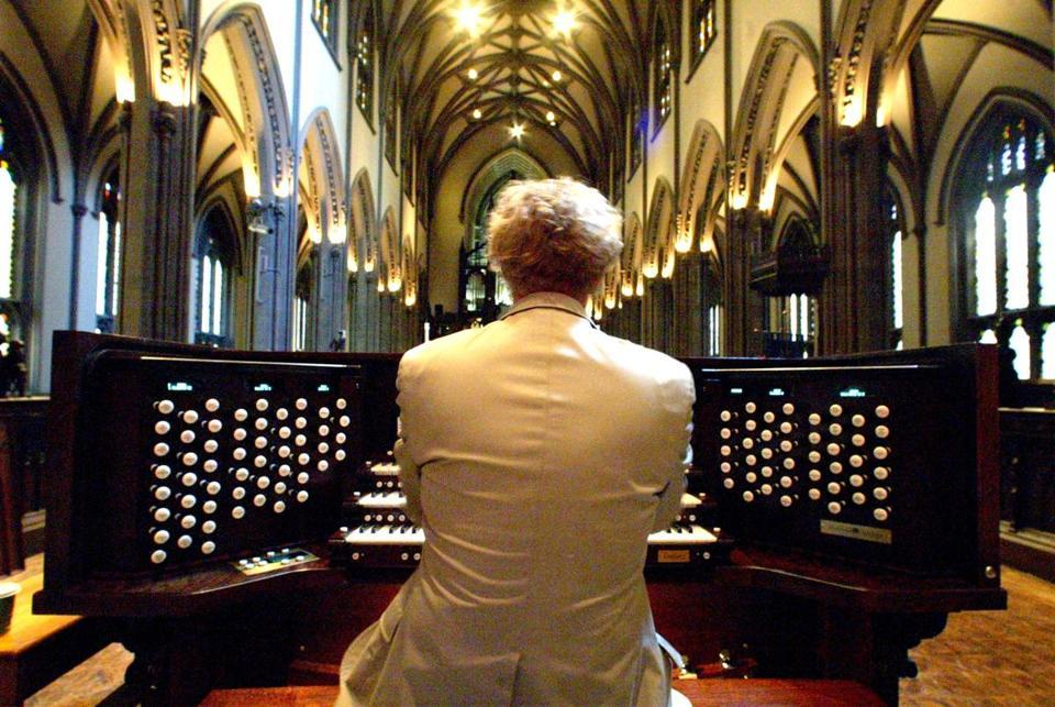 Amateur organist usurped