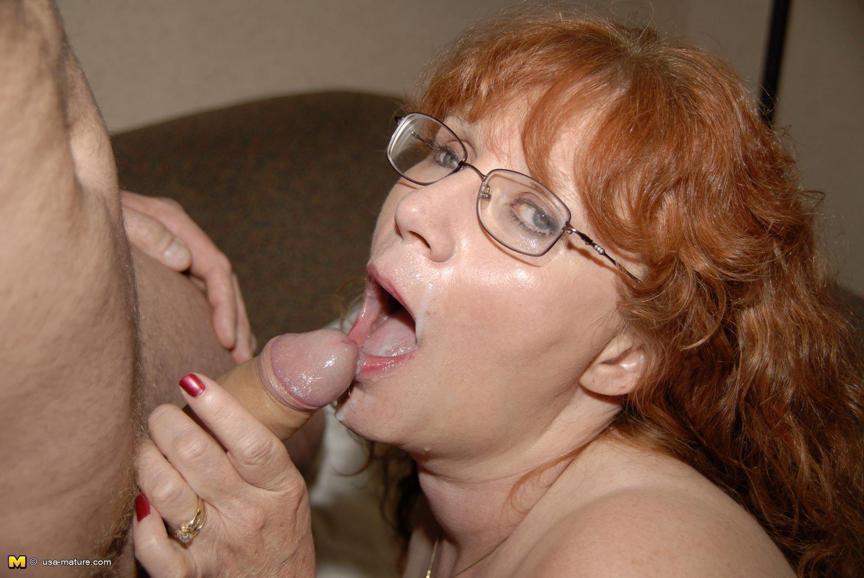 Awesome mature blow job