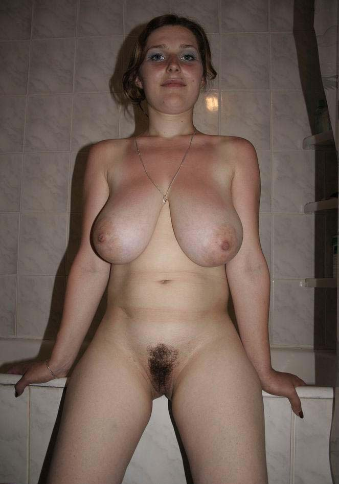 Amature natural big tits