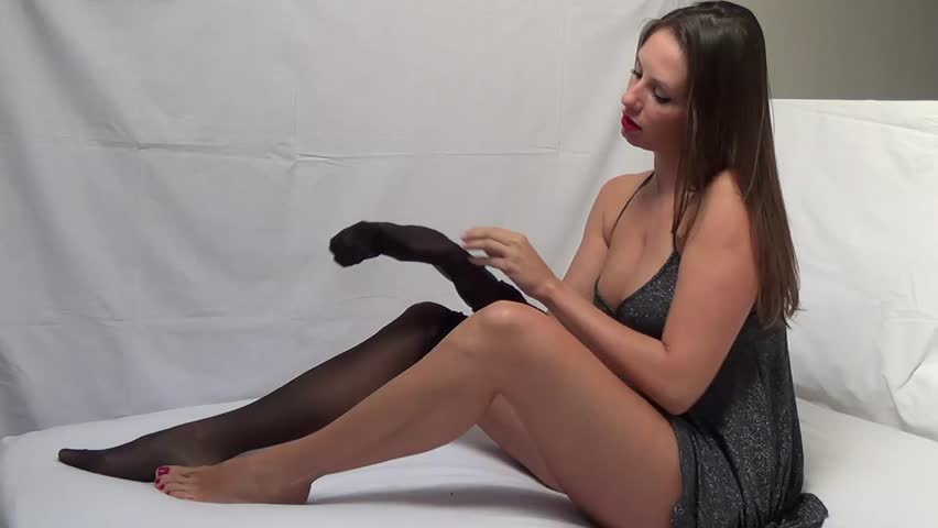 men-in-pantyhose-video-women-positioning-her-for-a-hard-fuck