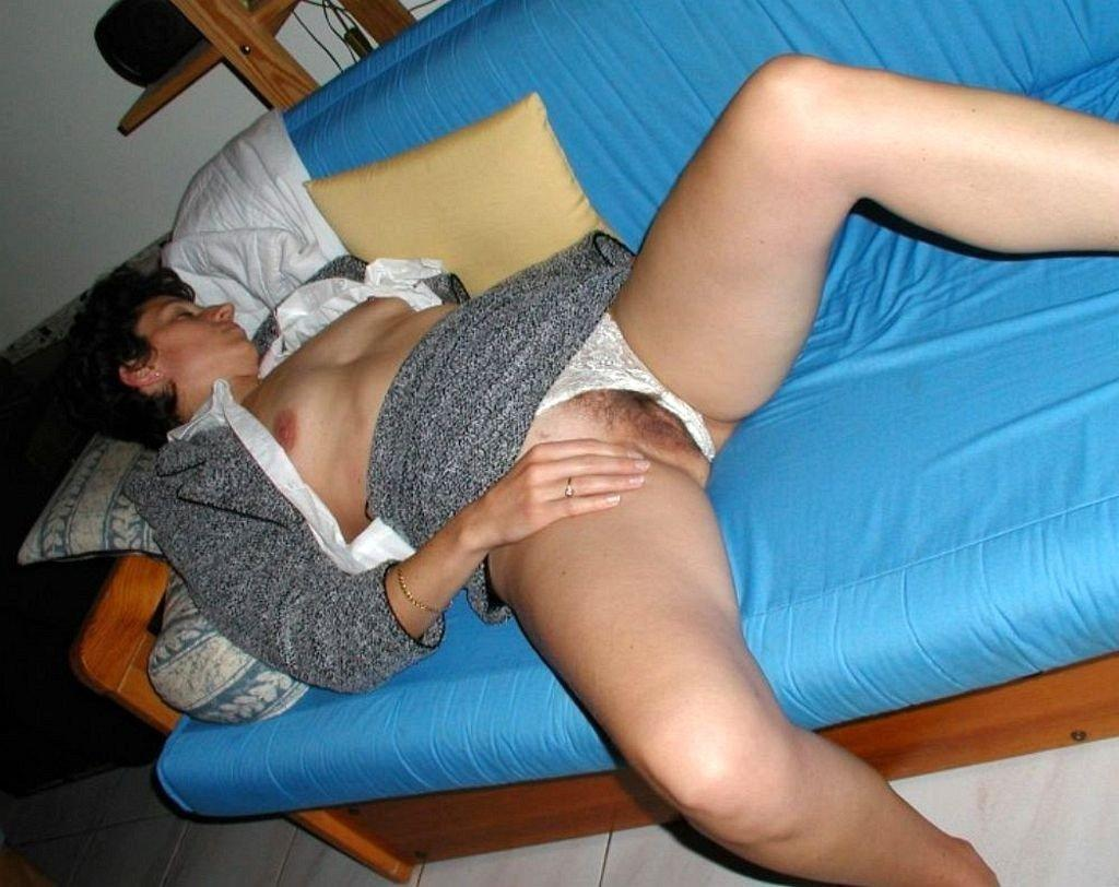 Free upskirt mature wives pics