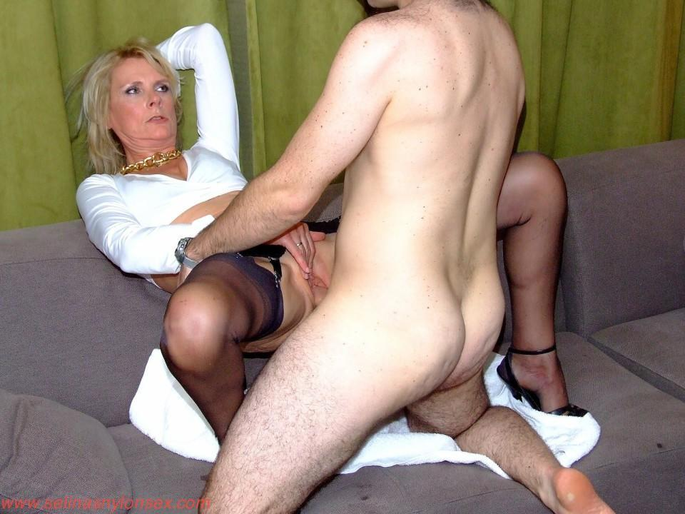 Mature lady gang bang