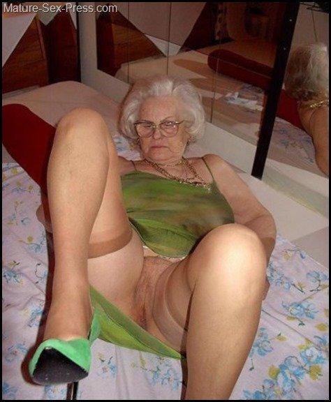 Hot chubby white grandmas - Sex photo.