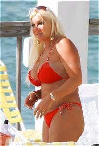 Hogan in linda bikini