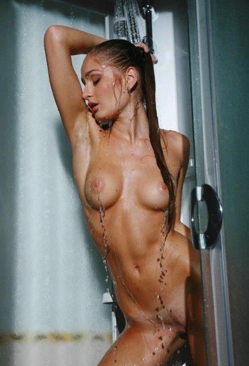 Goldilocks reccomend Sex hand held shower Naked FuckBook 2018