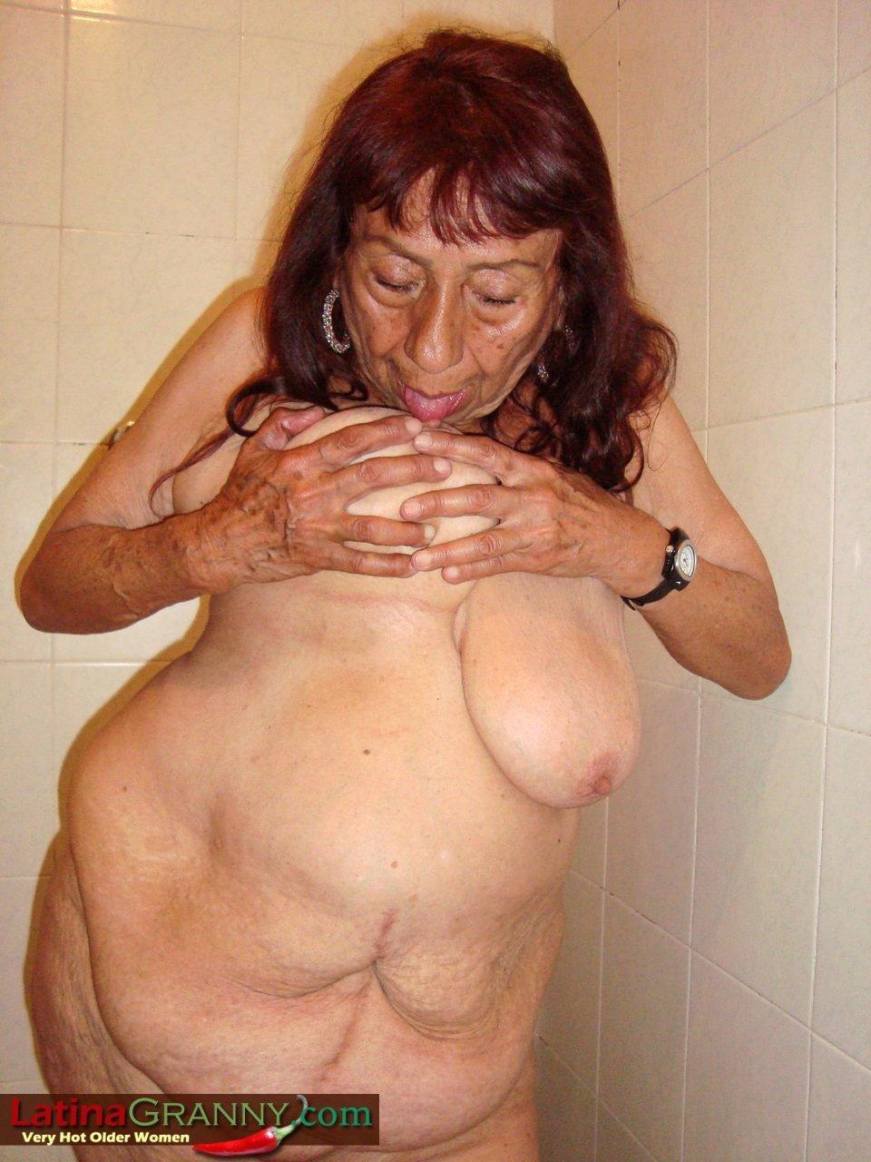 Ebony granny tgp