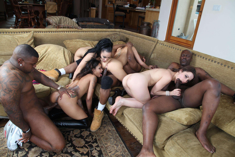 Black Dick Orgy - Lala porno orgy foto gallery . XXX Sex Photos.