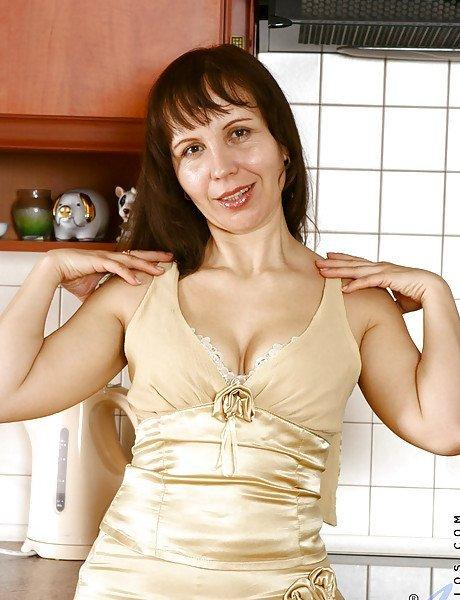 Pop R. reccomend Naked brunette wife in kitchen