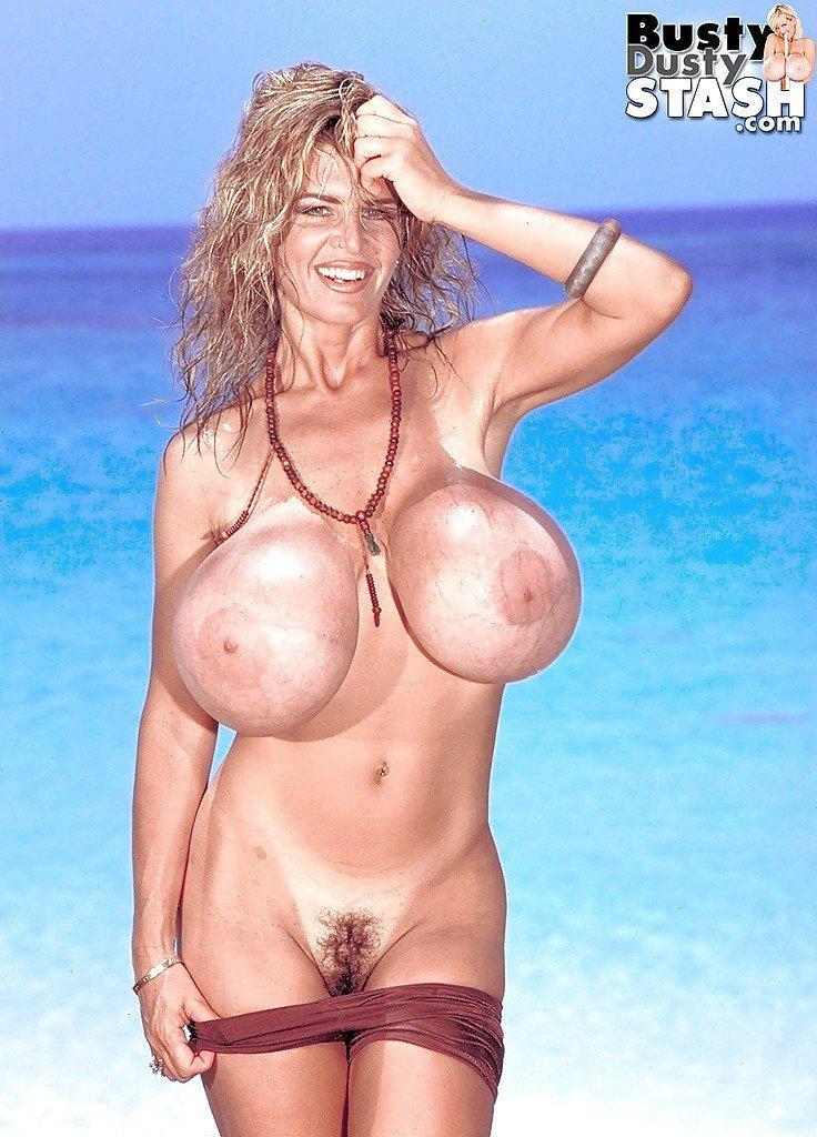 Jennifer love hewitt butt naked