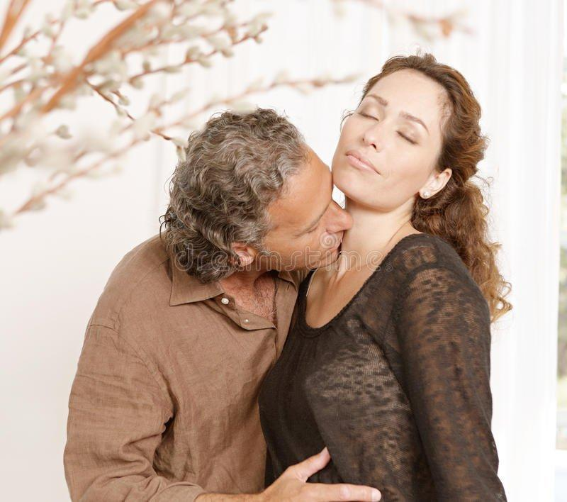Kevlar reccomend Adult free kissing mature video woman