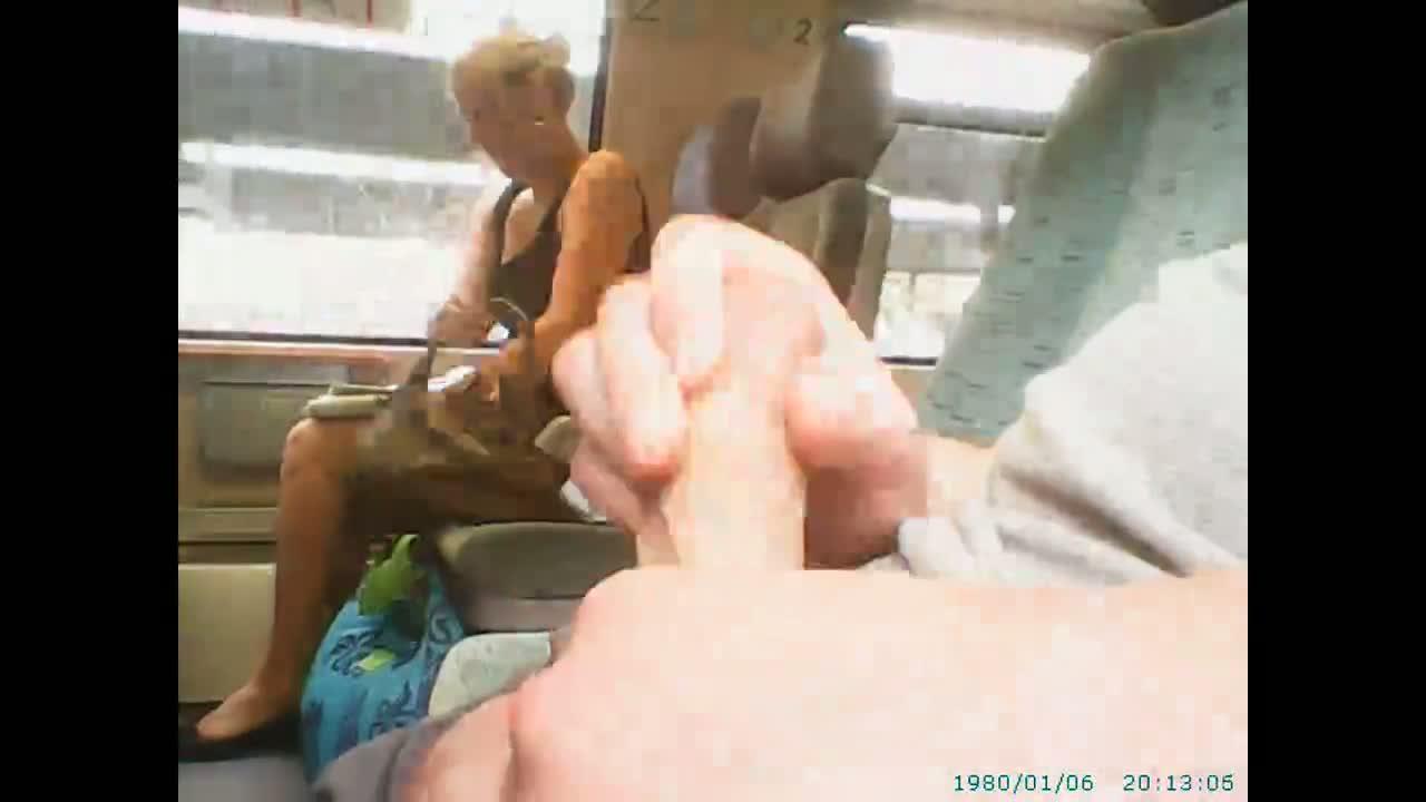 Общественный онанизм видео