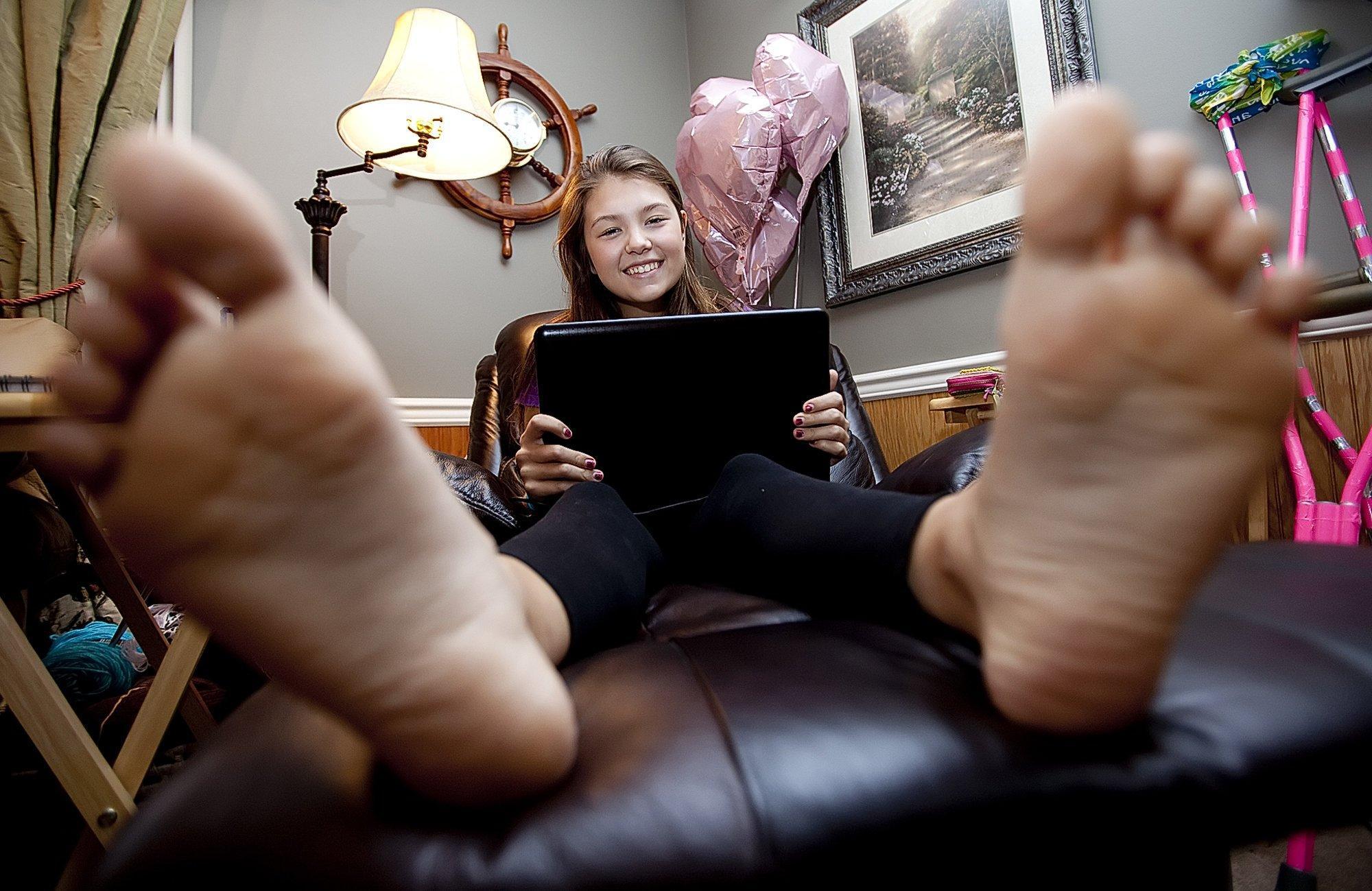 Cirrus reccomend Teen feet hot teen
