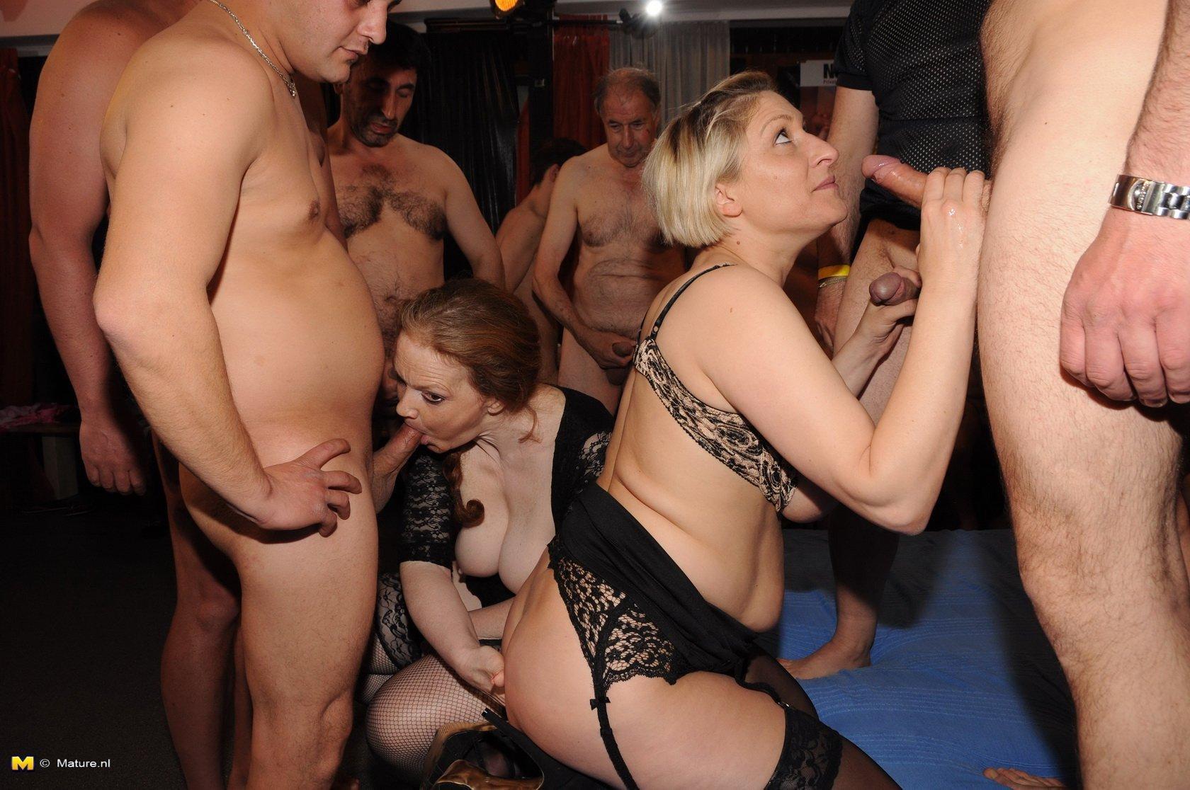 nacktes-gangbangen-palmdale-erotik-xxl