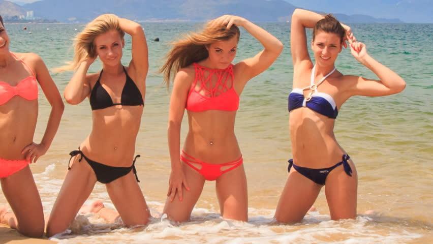 best of Girls Bikini dancing