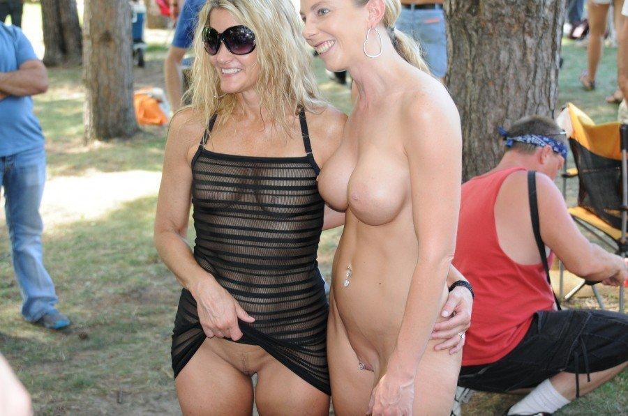 Nude Wild mother daughter