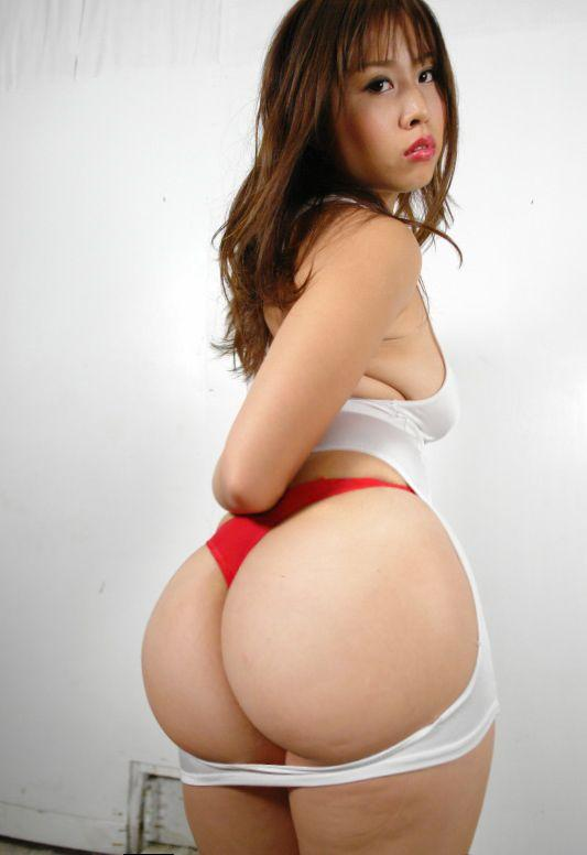 Curvy nude korean women