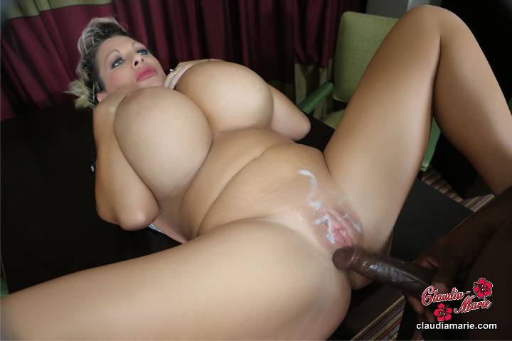 Hot lady nude with her man
