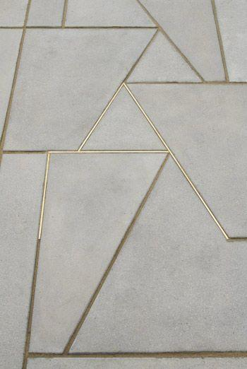 Bronze grout strip