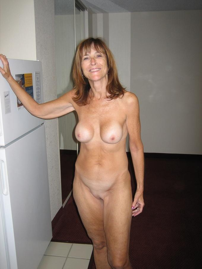 Free videos of naked wives