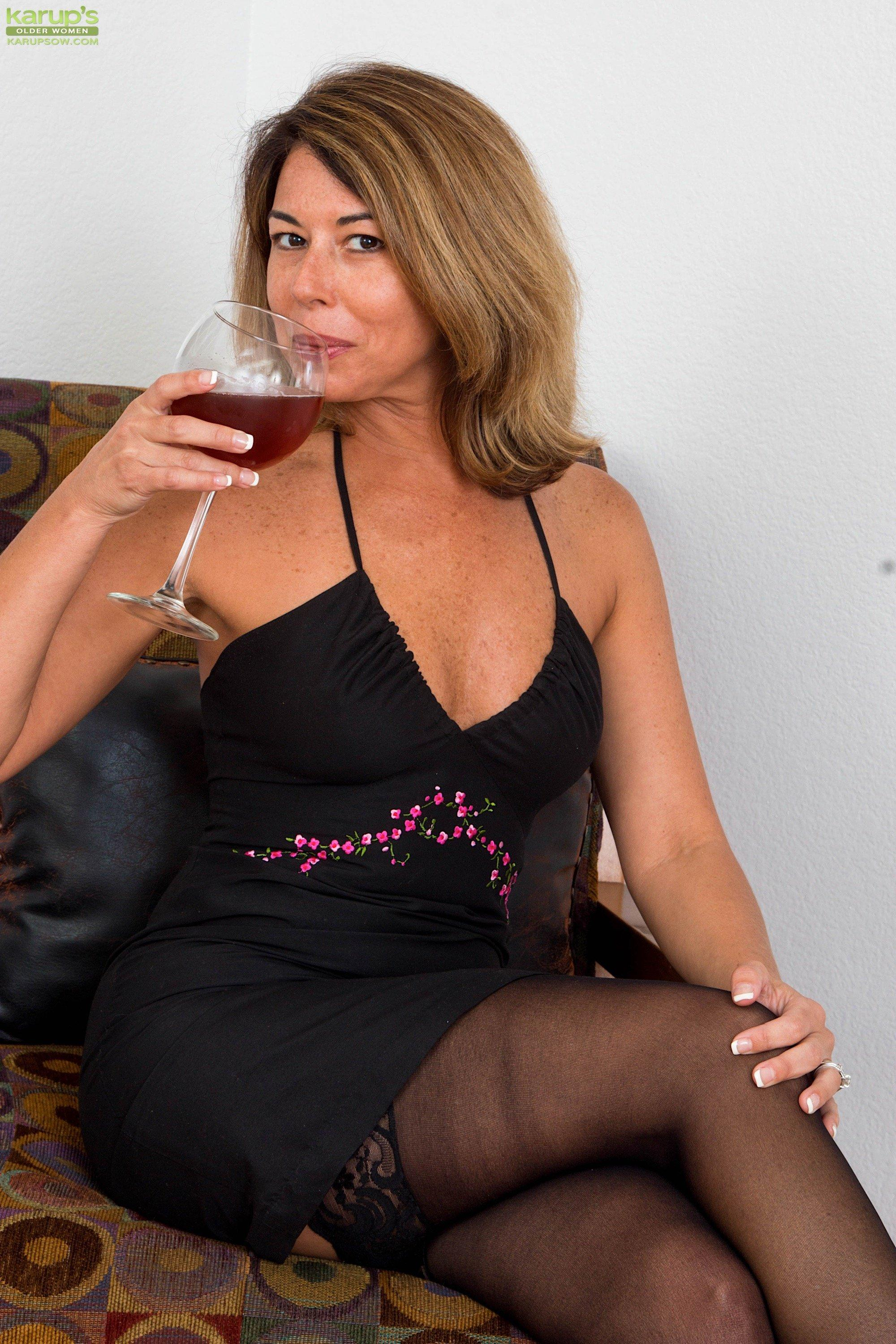free-beautiful-milf-pictures