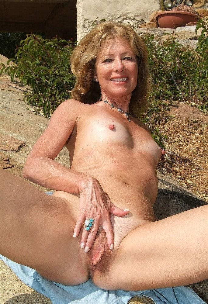 Sex video women masturbating
