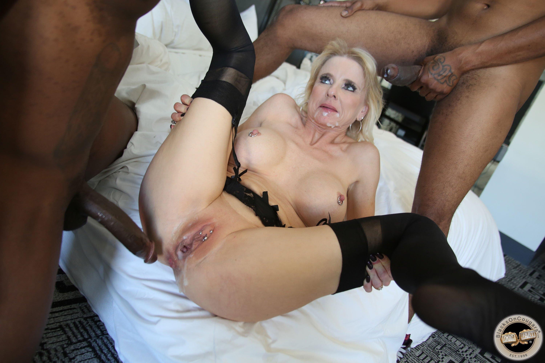 Hot sexy nude blonde girl big boobs gif