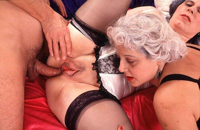 Granny threesome powered by phpbb