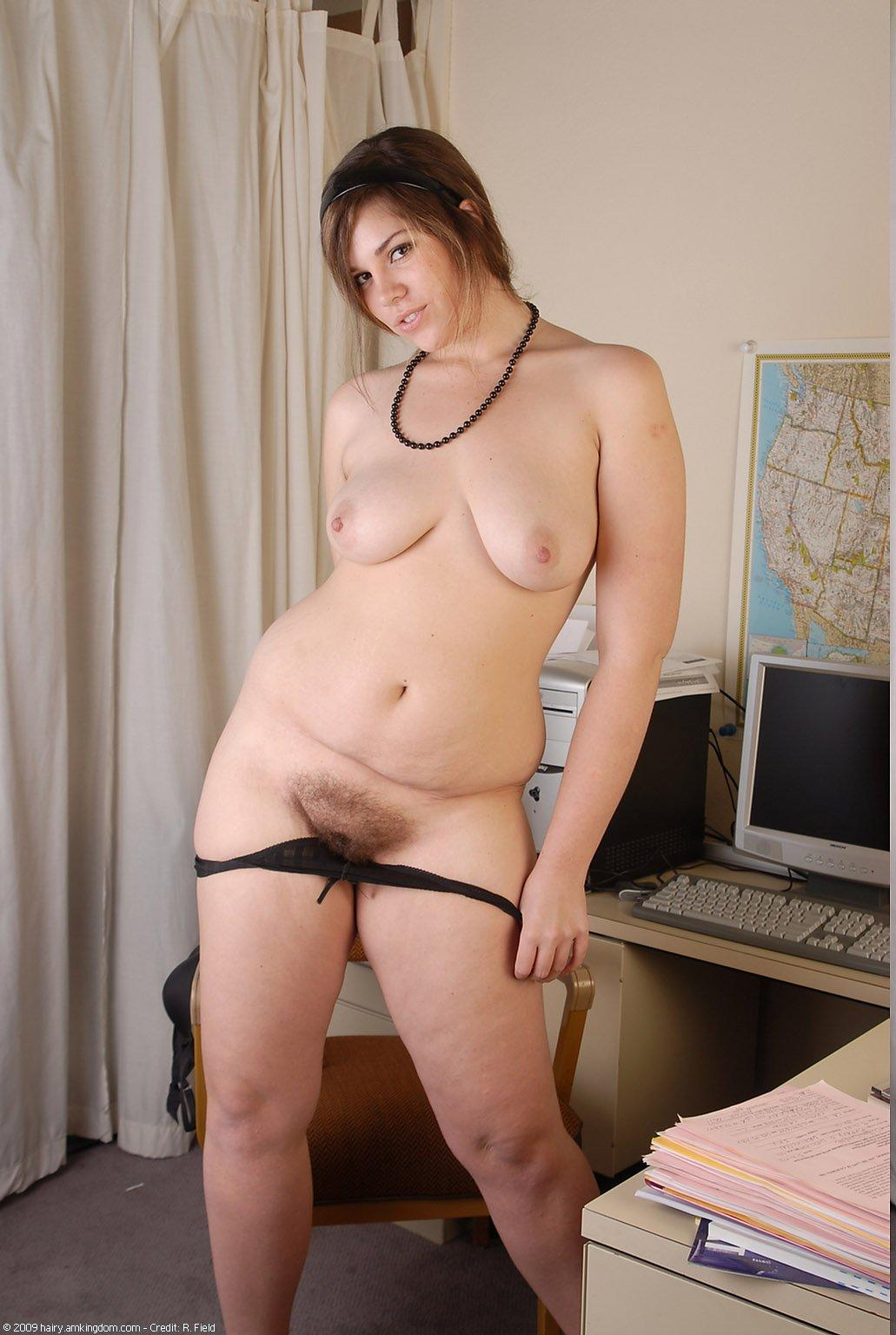 Chubby naked girl pictures