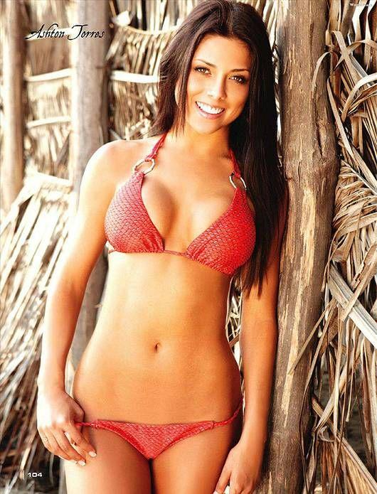 best of Bikinis Hot cheerleaders posing in