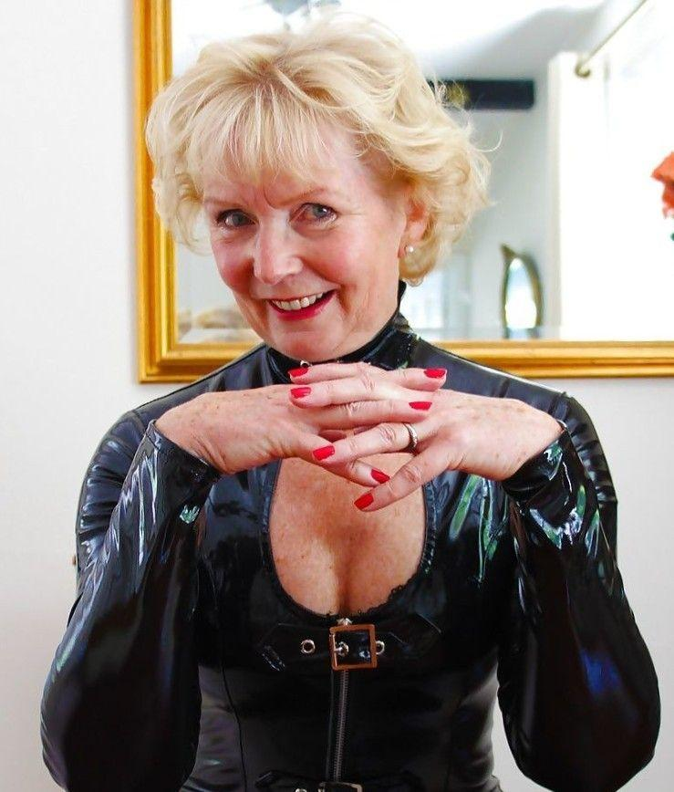 Porno mature latex