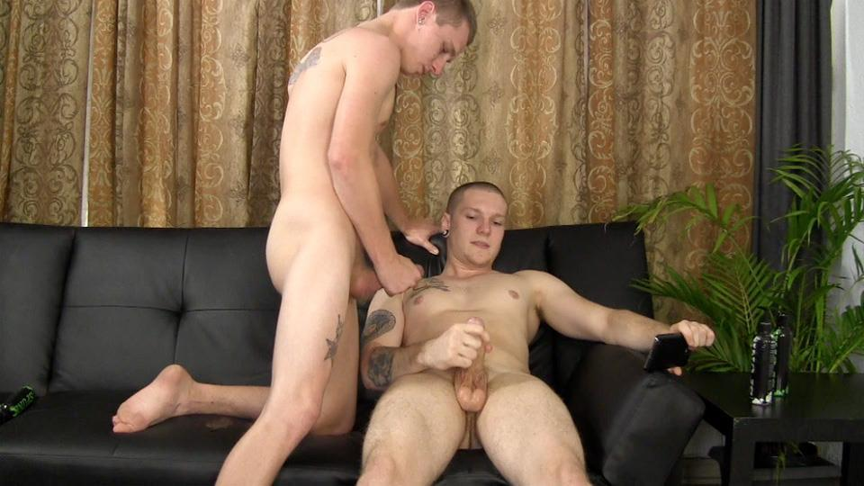 Muscle hung jerk off mpegs