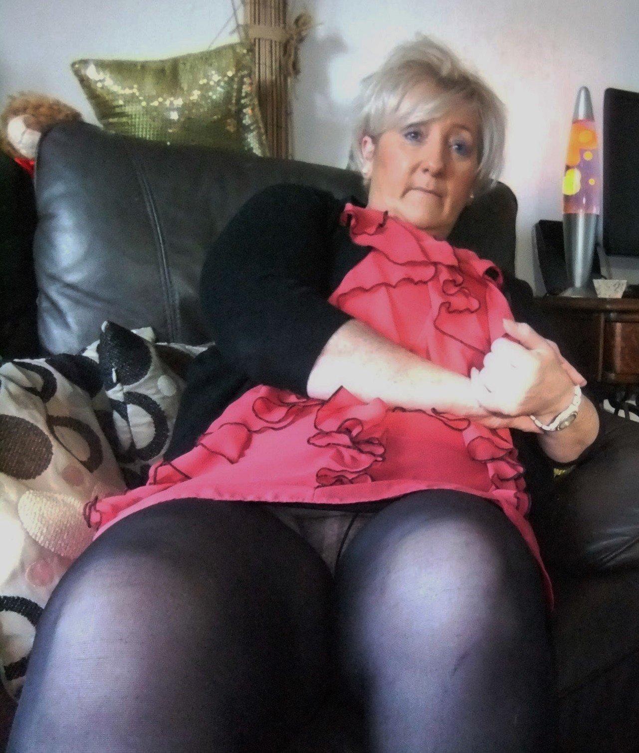 Tease tube Mature women upskirt