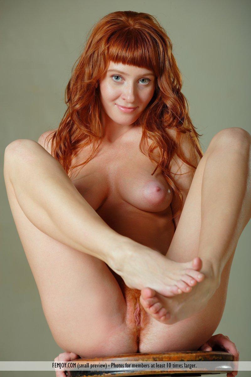 best of Women head Nake red