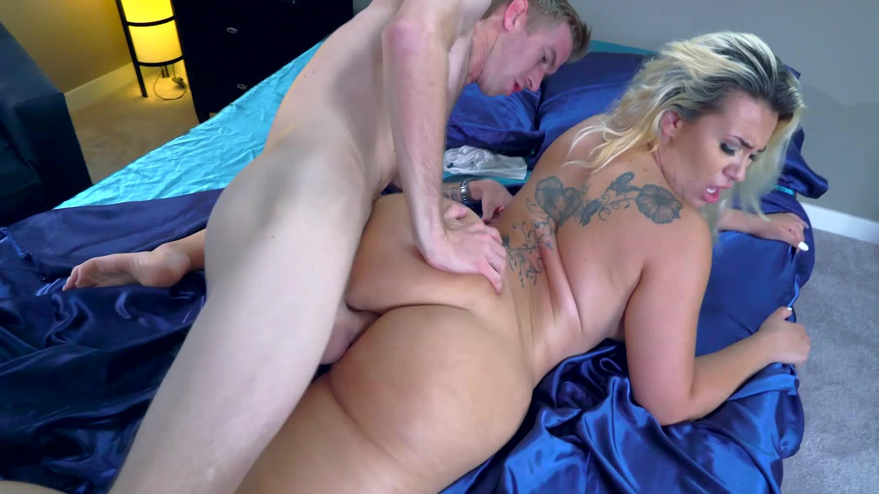 erotic big thighs naked