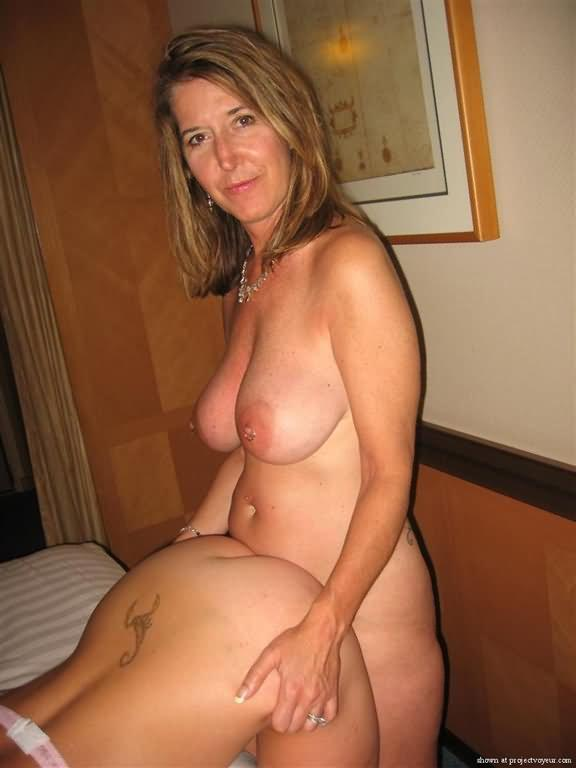 Milf amateur ass video clips