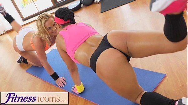 Xxx lesbians gym lick